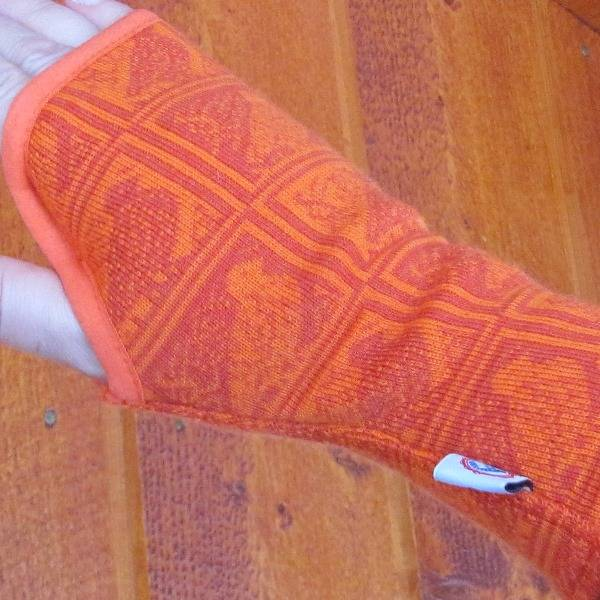 Image of Wrist warmers grouse pattern